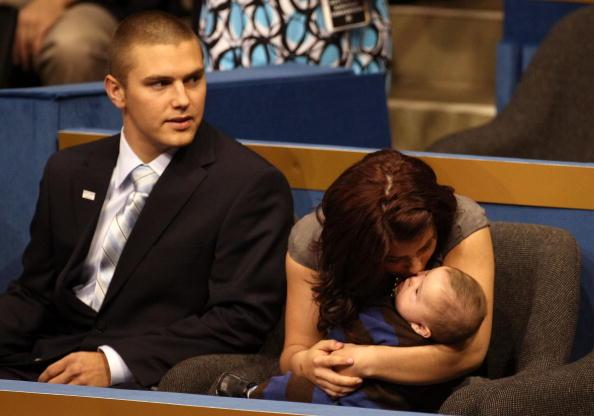Sarah Palin's Eldest Son Track Has Been Arrested For Domestic Violence In Alaska: Report