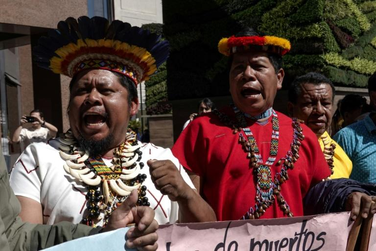 Indigenous villagers from Ecuador's Amazon suffered another setback in their effort to collect from American oil companies for the environmental damage caused from 1964 to 1990