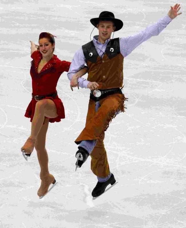Emily Samuelson (L) and Evan Bates of the U.S. perform during the ice dance original dance figure skating competition at the Vancouver 2010 Winter Olympics February 21, 2010. REUTERS/David Gray/File Photo