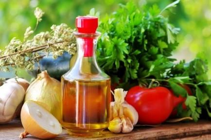 "<div class=""caption-credit""> Photo by: istockphoto</div><div class=""caption-title""></div><b>Better brain power</b> <br> People who eat a Mediterranean diet are less likely to have brain infarcts, which are small areas of dead tissue that are linked to problems with thinking and memory. Researchers followed the diets of over 700 New Yorkers over a period of six years. Those who strictly followed a Mediterranean diet were 36% less likely to have areas of brain damage, and people who were moderately following a Mediterranean diet were 21% less likely to have brain damage than those who did not follow the diet <br> <i>Sources: <a rel=""nofollow"" href=""http://www.uab.edu/news/latest/item/3412-mediterranean-diet-linked-to-preserving-memory"" target=""_blank"">University of Alabama at Birmingham</a>, <a rel=""nofollow"" href=""https://www.exeter.ac.uk/news/featurednews/title_317578_en.ht"" target=""_blank"">University of Exeter</a></i> <br> <br> <b><i><a rel=""nofollow"" href=""http://www.babble.com/best-recipes/your-kids-eating-what-11-shockingly-unhealthy-kids-foods/?cmp=ELP