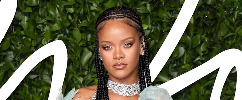 """Rihanna Had the Best Response to a Fan Calling Out Her Pimple: """"Let Her Have Her Shine"""""""