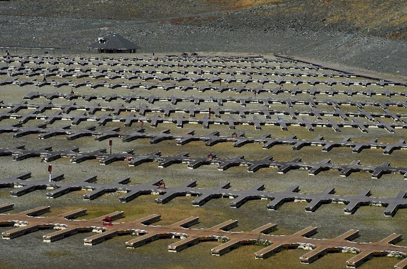 Boat docks sit empty on dry land, as Folsom Lake reservoir near Sacramento stands at only 18 percent capacity, during a severe drought in California on September 17, 2015 (AFP Photo/Mark Ralston)