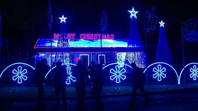 Town asks homeowner to pay $2,000 a night in Christmas light display showdown