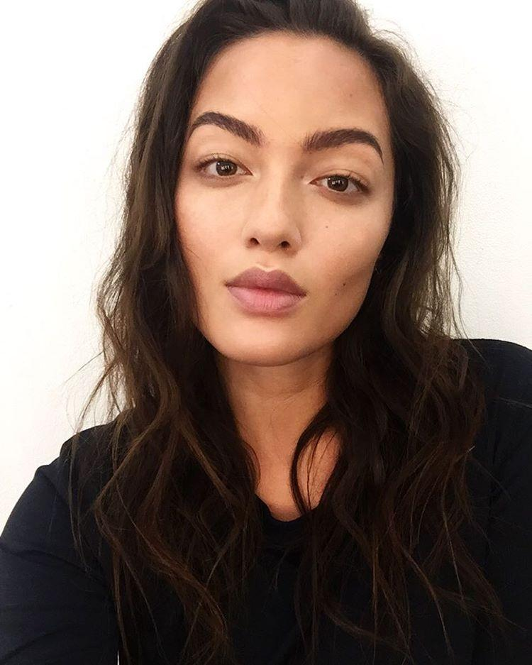 How Curvy Sports Illustrated Swimsuit Model Mia Kang
