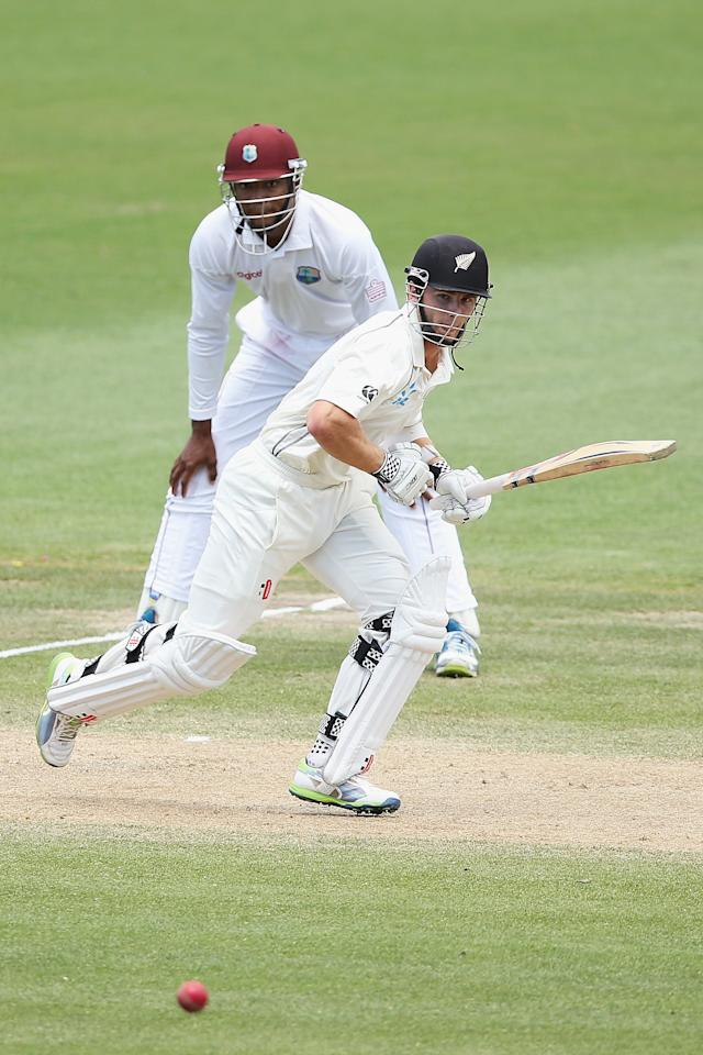 HAMILTON, NEW ZEALAND - DECEMBER 22: Kane Williamson of New Zealand sets off for a run during day four of the Third Test match between New Zealand and the West Indies at Seddon Park on December 22, 2013 in Hamilton, New Zealand.  (Photo by Hannah Johnston/Getty Images)