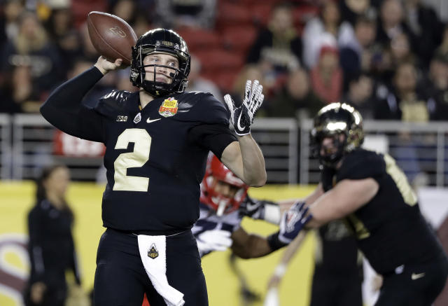 FILE - In this Dec. 27, 2017, file photo, Purdue quarterback Elijah Sindelar (2) throws against Arizona during the first half of the Foster Farms Bowl NCAA college football game in Santa Clara, Calif. In 2018, Sindelar won the starting job in preseason camp but kept it for only two games because of knee tendinitis and an injured oblique muscle. He didnt take another snap the rest of the season. With sensational receiver Rondale Moore, Sindelar could be primed for a big 2019 season. (AP Photo/Marcio Jose Sanchez, File)