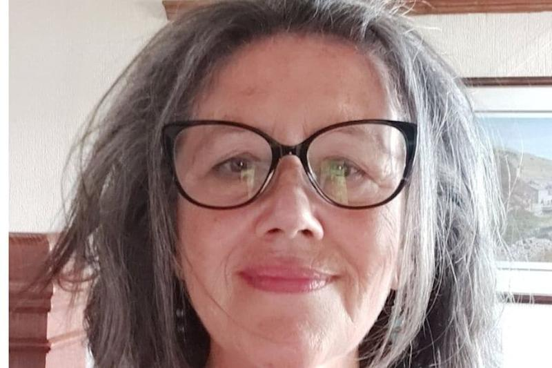 Woman Asks for 'Five Minutes' of Fame as Birthday Gift before She 'Dies' or Gets 'Alzheimer'