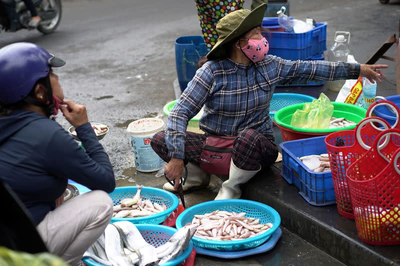 Vietnam's Danang to test entire population as outbreak spreads beyond city