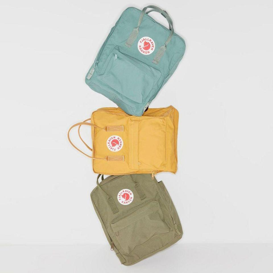 """<p><strong>Fjallraven</strong></p><p>urbanoutfitters.com</p><p><strong>$80.00</strong></p><p><a href=""""https://go.redirectingat.com?id=74968X1596630&url=https%3A%2F%2Fwww.urbanoutfitters.com%2Fshop%2Ffjallraven-classic-knken-backpack&sref=https%3A%2F%2Fwww.menshealth.com%2Ftechnology-gear%2Fg34453261%2Fbest-gifts-for-sister%2F"""" rel=""""nofollow noopener"""" target=""""_blank"""" data-ylk=""""slk:BUY IT HERE"""" class=""""link rapid-noclick-resp"""">BUY IT HERE</a></p><p>If she carries a Hydroflask and wears a scrunchie, then the Fjallraven Kanken Pack is next on her list. Subculture stereotypes aside, the backpack is super durable, fun to carry, easy to access and is casually stylish. It's a one-and-done under $100 gift that will score you brownie points with your sister.</p>"""