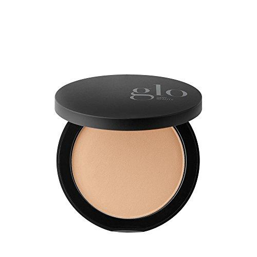 Glo Skin Beauty Mineral Pressed Powder Foundation (Amazon / Amazon)