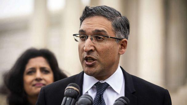 PHOTO: Attorney Neal Katyal speaks to members of the media outside the Supreme Court, April 25, 2018. (Al Drago/Bloomberg via Getty Images)