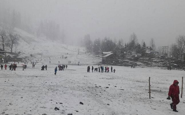 Avalanche threat in parts of Himachal; snowfall in mid, higher hills