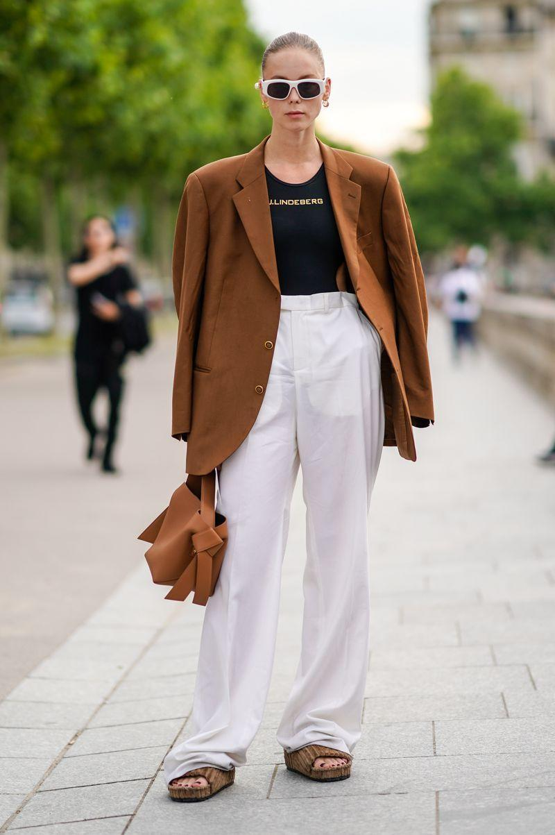 <p>Whether you're using them to make a mismatch suit, or simply to elevate one of your favourite logo tees, the wide-leg palazzo pants are back in style. Make sure to opt for long legs that scrunch at the ankle, and tapered pleats around the waist for the most flattering fit.</p>