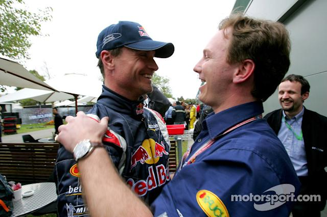 "David Coulthard celebra con Christian Horner <span class=""copyright"">Red Bull Racing</span>"