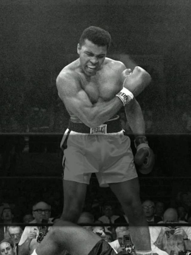 Muhammad Ali beats Sonny Liston in just one minute and 44 seconds.