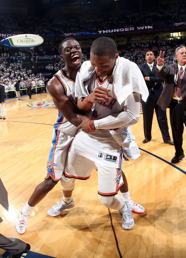 Thunder rally in final minute to stun Clippers
