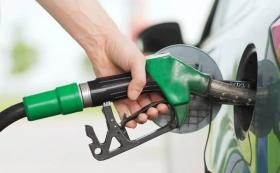 Petrol, diesel prices fall due to sharp drop in international crude oil rates