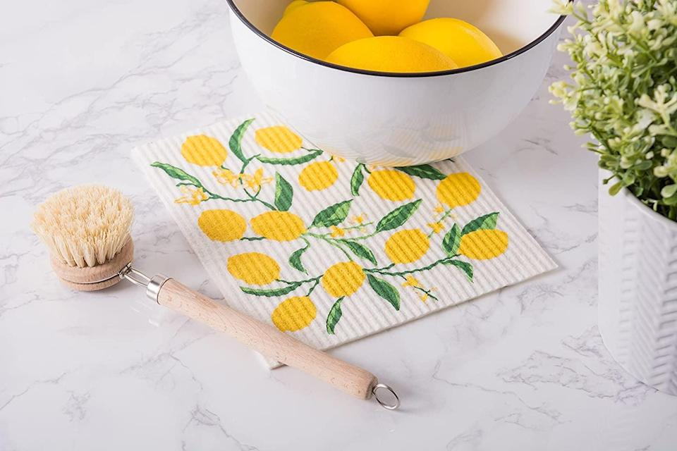 <p>These <span>DII Swedish Dishcloths</span> ($16) will replace your paper towels, and they're also washable.</p>