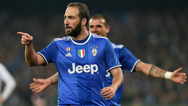 Sturaro: You need more than boos to stop Higuain