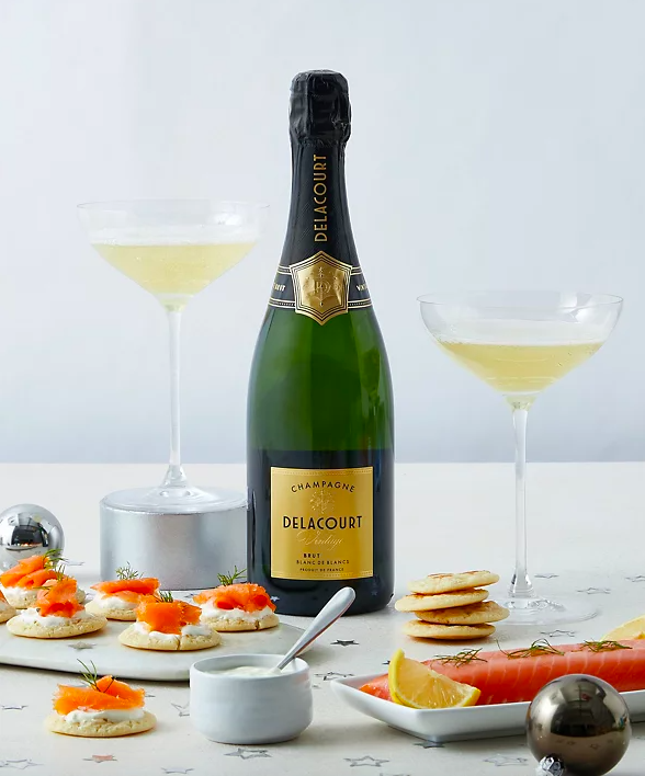 Champagne & Smoked Salmon Gift Selection. (Marks & Spencer)