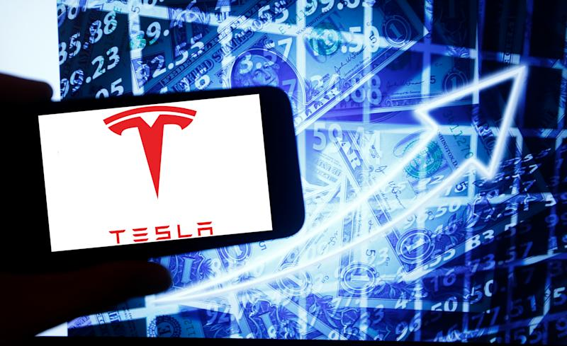 Tesla's largest outside shareholder sold at a very good time