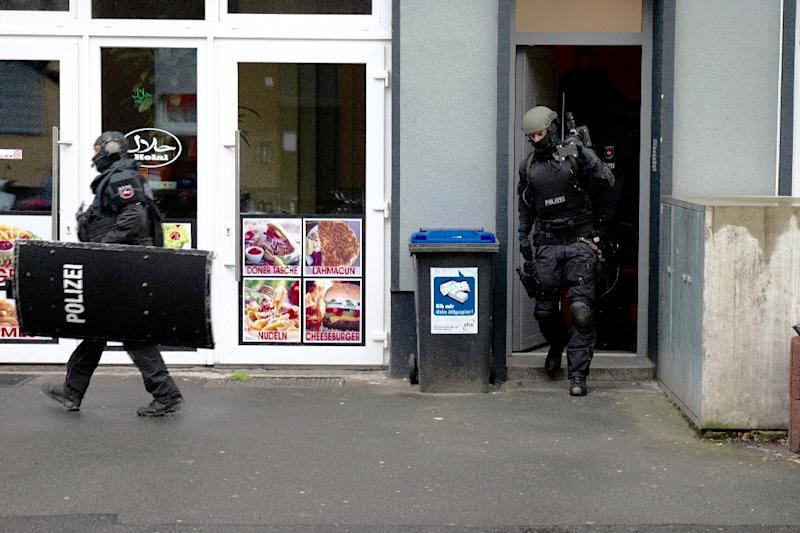 German police raided a flat in Hannover, northern Germany on February 4, 2016 (AFP Photo/Uwe Dillenberg)