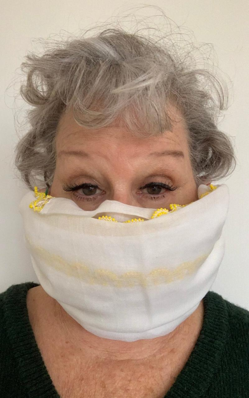 Bette Midler's facemask - TWITTER.COM/BetteMidler