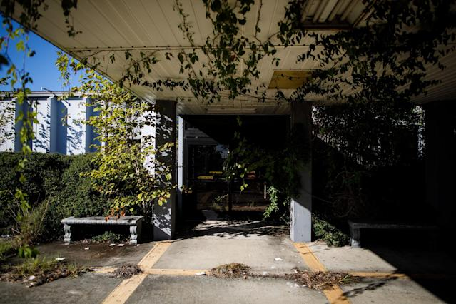 Telfair Regional Hospital, which closed in 2008, has been overgrown by vines. The McRae, Georgia, facility was about20 minutes away from Glenwood's hospital. (Dustin Chambers for HuffPost)