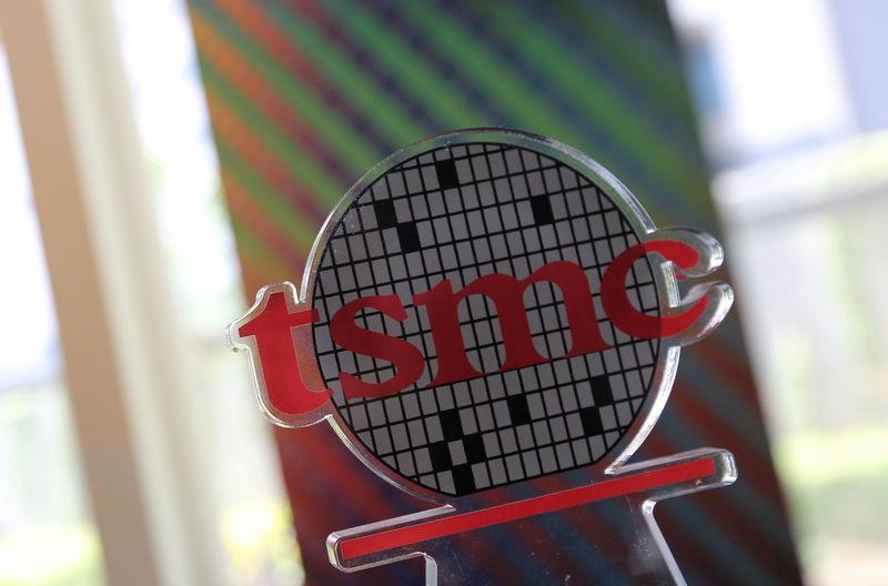 TSMC's smartphone warning points squarely at Apple - analysts