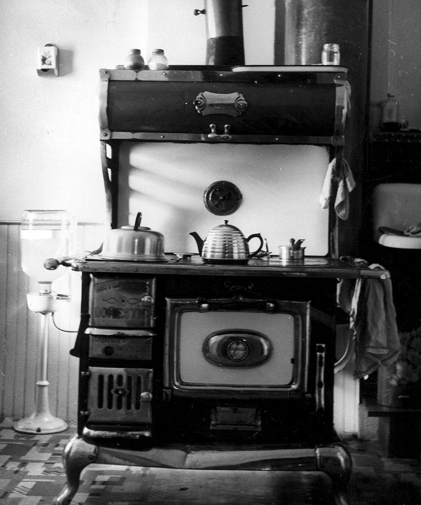 <p>It's big, it's bulky, but it's useful. Multiple burners let you multi-task. In the 1920s, enamel finishes became trendy, which added more style options but also ease when wiping them down.</p>