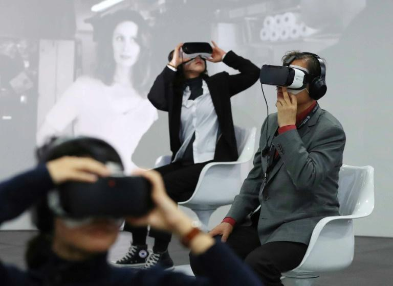 Virtual Reality will change the face of cinema in the next decade -- but only if content keeps up with the advances in technology, industry experts at the Busan International Film Festival predict
