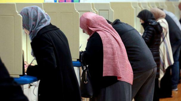 PHOTO: People cast their ballots in the midterm election at William Ford Elementary School in Dearborn, Mich., Nov. 6, 2018. (Jeff Kowalsky/Reuters)