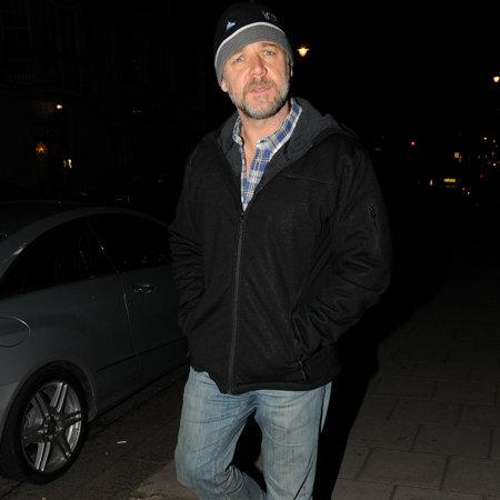 Russell Crowe laughs off kayak mishap