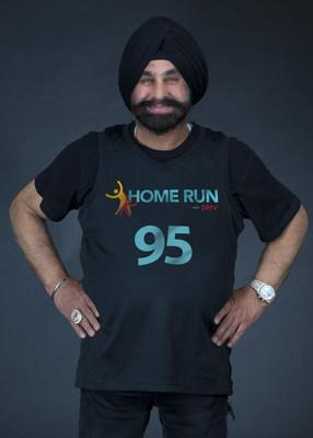 Superfan Nav Bhatia partners with Wellness Start-up ZERV offer free virtual fitness classes to keep Canadians healthy and active during the lockdown. (CNW Group/Push Marketing Group)