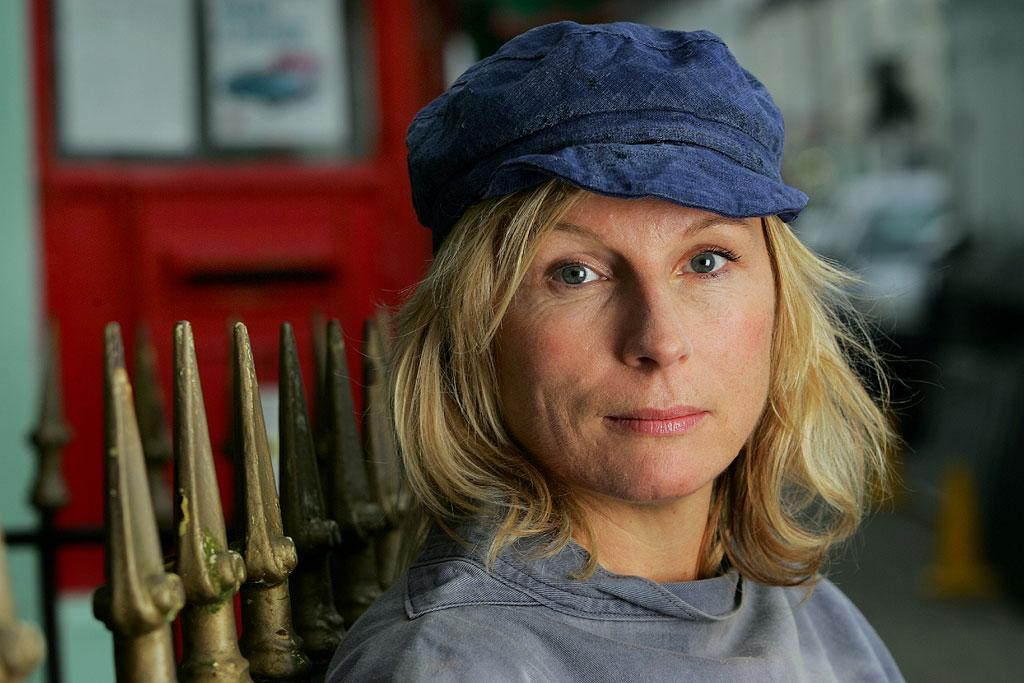 Jennifer Saunders plays Caroline, a very busy lady of the countryside, in Clatterford.