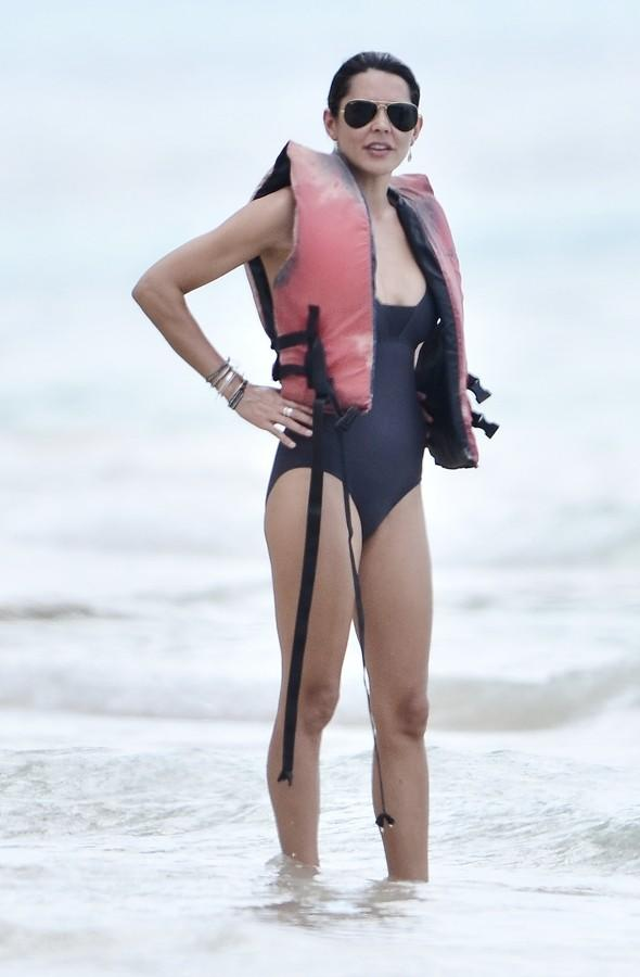 Danielle Lineker shows off perfect beach body in Barbados