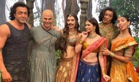 This photo from the sets of Housefull 4 is sure to lighten up your day