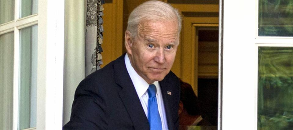 A fourth stimulus check from Biden is looking doubtful — ask your state instead