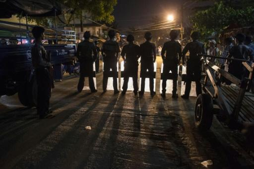 Yangon authorities sue Muslims for praying in the street