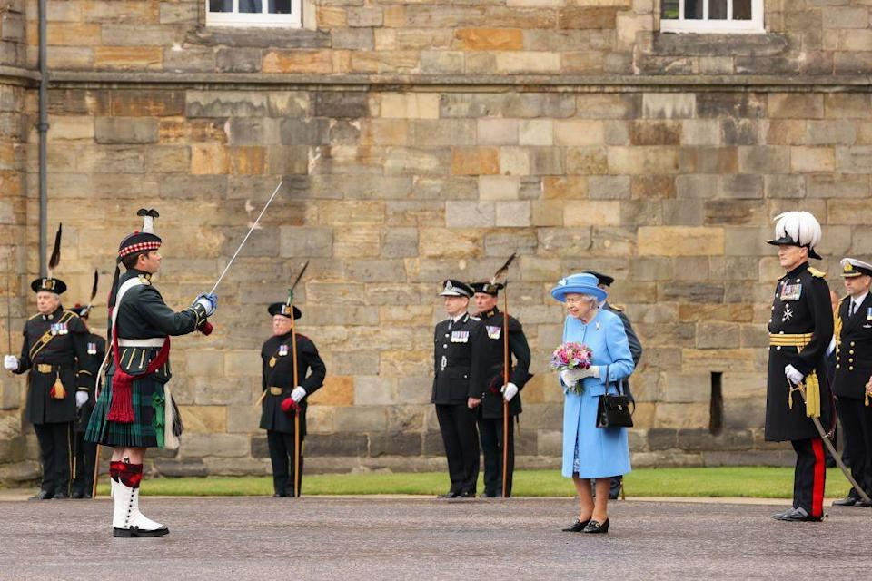 <p>The queen meets with the governor of Edinburgh ahead of the Ceremony of the Keys.</p>