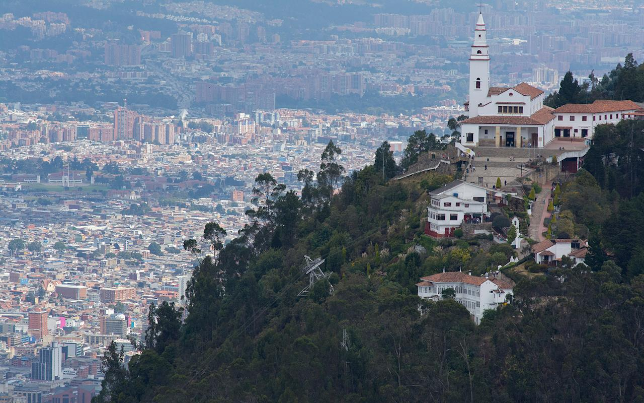 Best places to travel in april for Casa mansion bogota