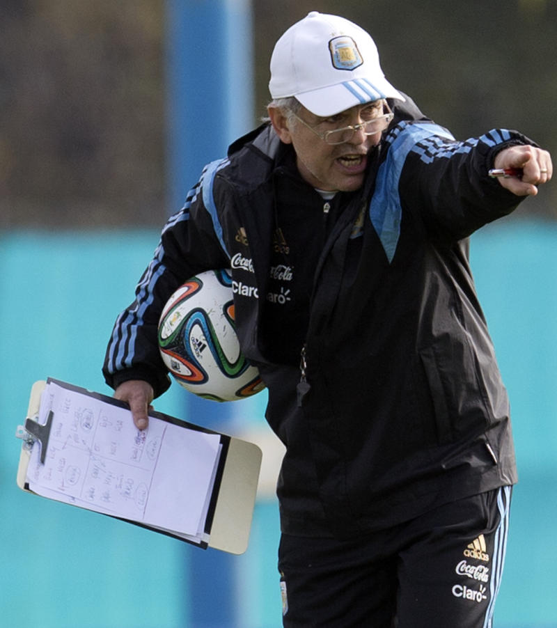 Sabella's mission: Make Messi shine at World Cup
