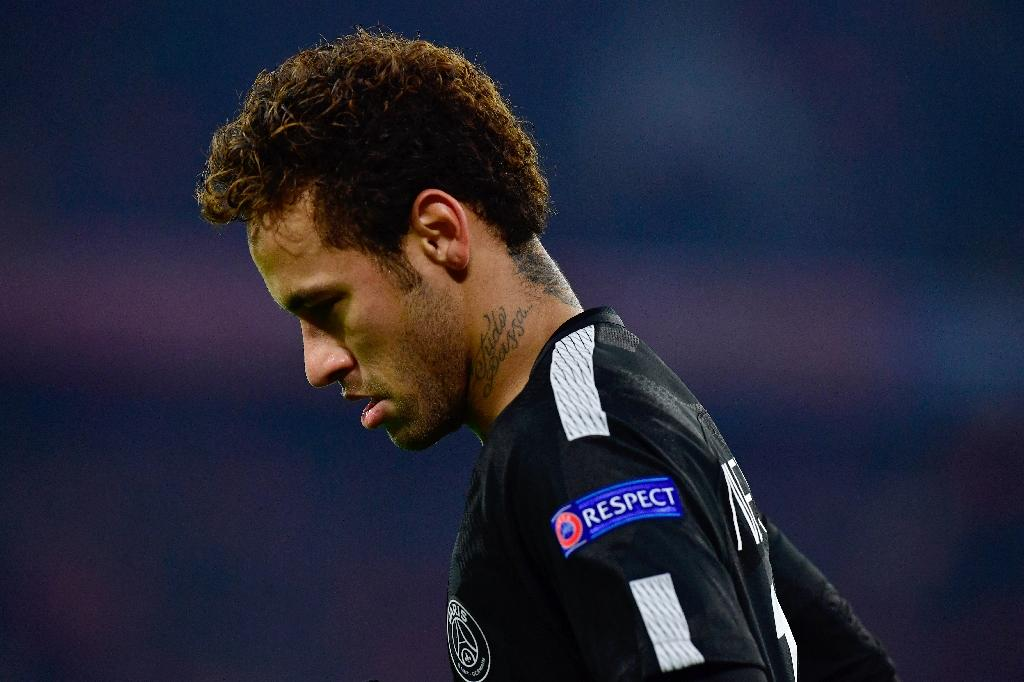 Paris Saint-Germain's Neymar has returned to his native Brazil to deal with a family matter and will miss their League Cup tie at Strasbourg on December 13, 2017 (AFP Photo/Tobias SCHWARZ)