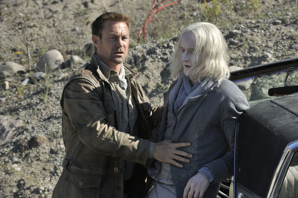 "Grant Bowler as Joshua Nolan and Tony Curran as Datak Tarr in the ""Defiance"" episode, ""Brothers in Arms."""