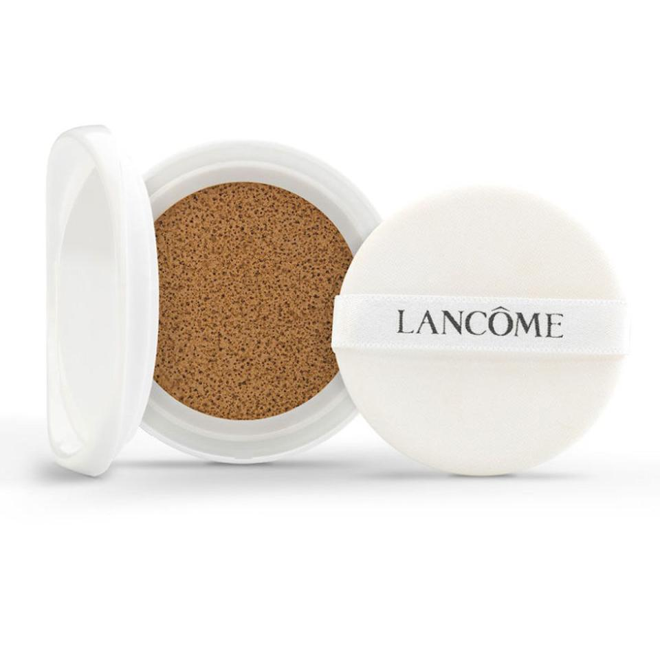 "<p>Press the sponge into the makeup-soaked cushion and dab over your skin for light, featherweight coverage and a hefty dose of moisturizing and brightening benefits. ($47; <a rel=""nofollow"" href=""http://www.sephora.com/miracle-cc-cushion-color-correcting-primer-P406003"">sephora.com</a>)</p>"
