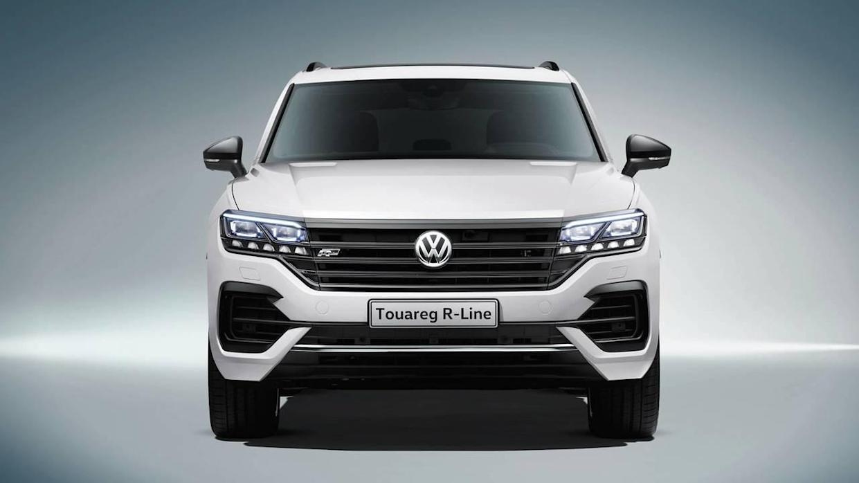 2019 Vw Touareg See The Changes Side By