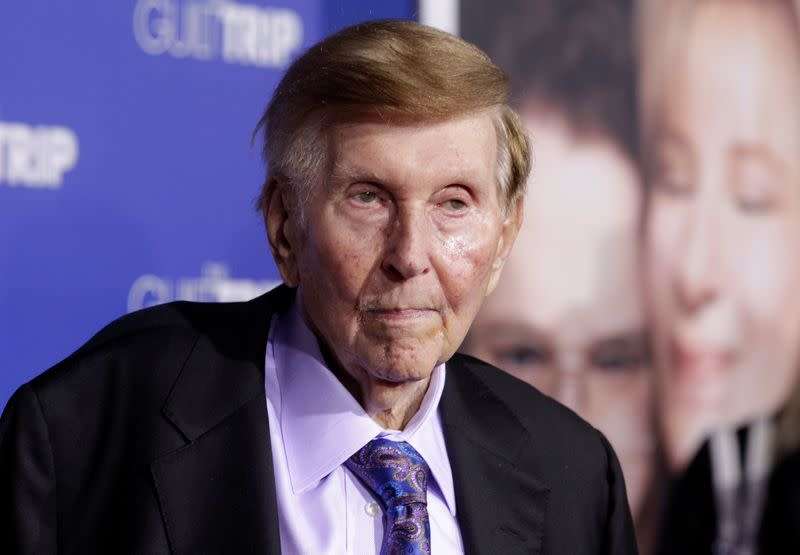 """FILE PHOTO: Redstone, executive chairman of CBS Corp. and Viacom, arrives at premiere of """"The Guilt Trip"""" starring Streisand and Rogen in Los Angeles"""