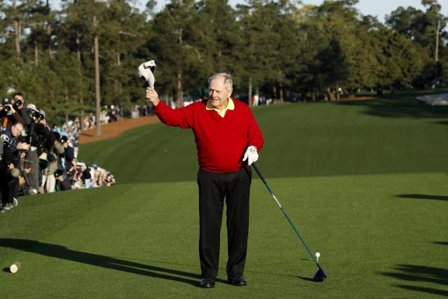 Honorary starter Jack Nicklaus of the U.S. tips his cap before his tee off during the ceremonial start before first round play in the 2018 Masters golf tournament at the Augusta National Golf Club in Augusta, Georgia, U.S. April 5, 2018. REUTERS/Mike Segar
