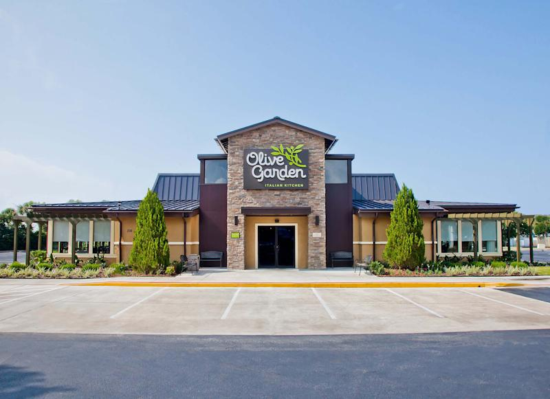 The exterior of an Olive Garden restaurant