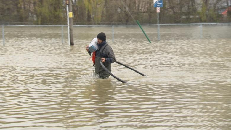 Gatineau flooding 'tip of the iceberg,' climate scientist warns